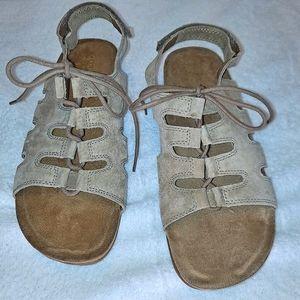 Cobbie Cuddlers Suede Sandals Lace Up Comfort Brn